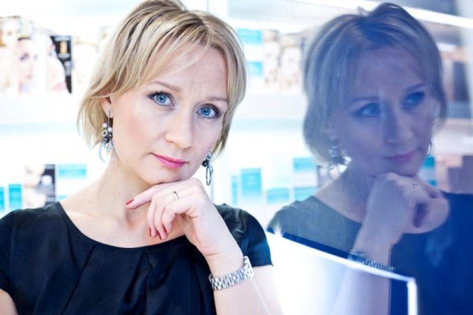 Agnieszka Mosurek-Zava pokieruje Douglasem