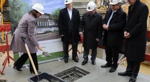 Zobacz zdjęcia z uroczystości wmurowania aktu erekcyjnego Galerii Bolesławiec City Center