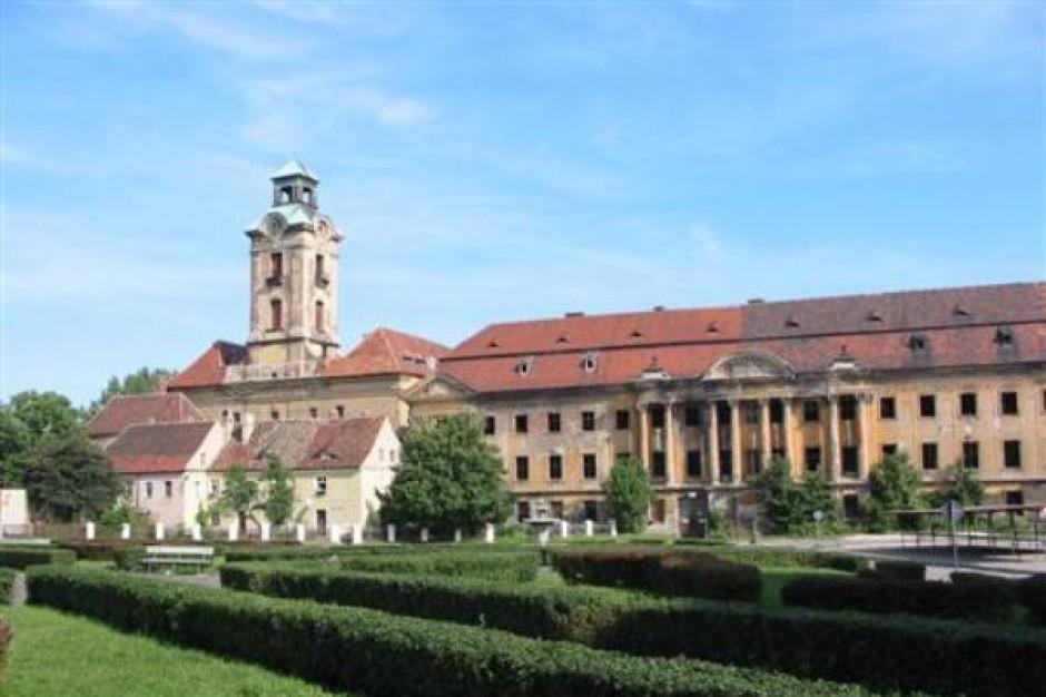 Pożar w Pałacu Promnitzów należącym do znanego hotelarza
