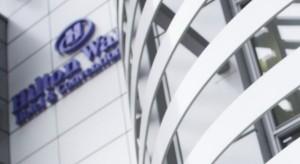 Właściciel warszawskiego Hiltona odnotował poprawę wyników z działalności hotelarskiej
