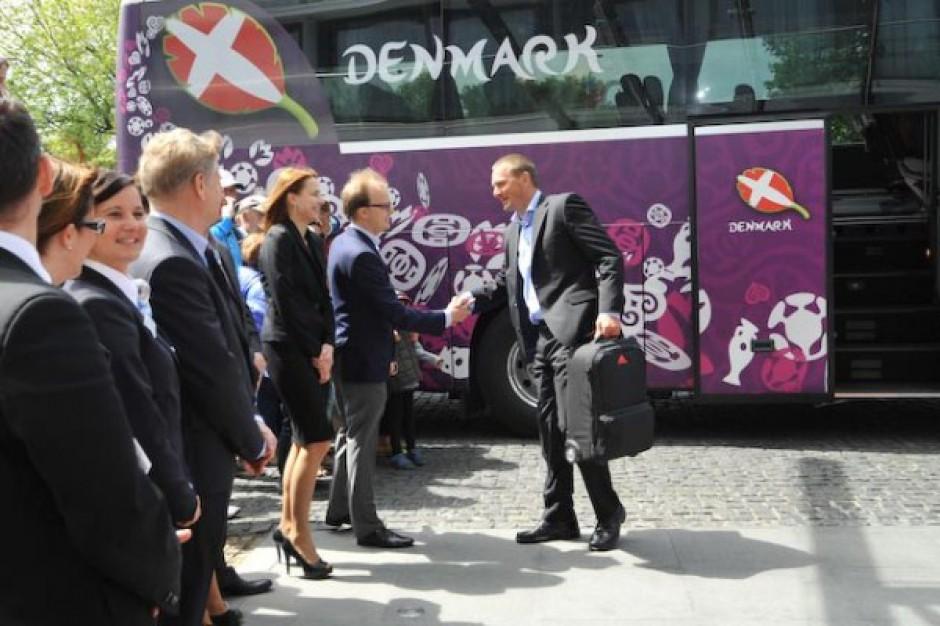 Duńscy piłkarze już w Marine Hotel - zobacz zdjęcia