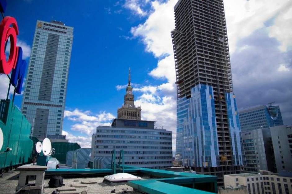 Współczynnik niewynajętej powierzchni biurowej w Warszawie odnotował nieznaczny wzrost