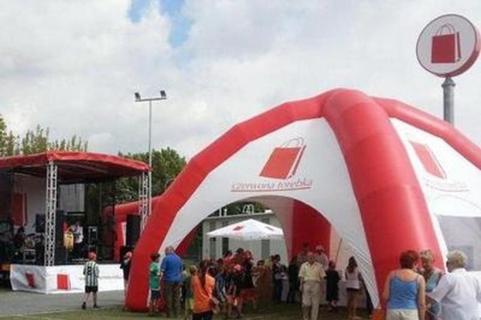 Czerwona Torebka kończy miesiąc czterema otwarciami