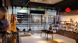 Buty można sprzedawać inaczej, czyli nowy koncept sklepów w Polsce