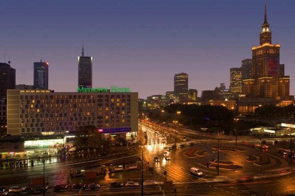 Warszawa: Ewakuowani mieszkańcy budynków nocują w hotelach Metropol i MDM