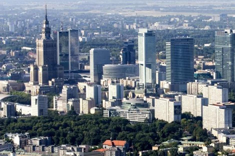 Hong Kong najdroższą lokalizacją biznesową na świecie. Warszawa bez zmian - raport