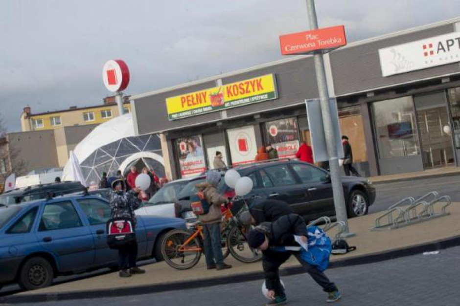 Czerwona Torebka będzie sprzedawać lokale w pasażach handlowych