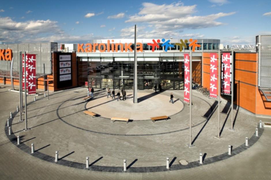 Do największych centrów handlowych w Polsce pod względem powierzchni GLA należy również Karolinka w Opolu, jednak kompleks składa się z dwóch części: centrum handlowego (ponad 30 tys. GLA) i parku handlowego (ponad 30 tys. GLA). Deweloperem obiektu była spółka Mayland RE, która w pod koniec 2009 r. sprzedała centrum funduszowi MGPA.