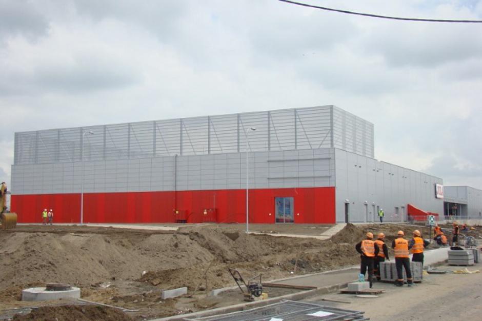 Budynek sklepu Jula w Parku Handlowym Franowo gotowy