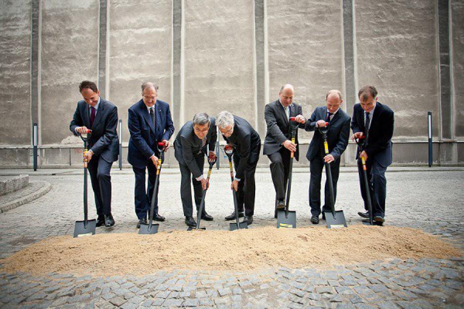 Zobacz zdjęcia z rozpoczęcia budowy CBF Nowy Świat