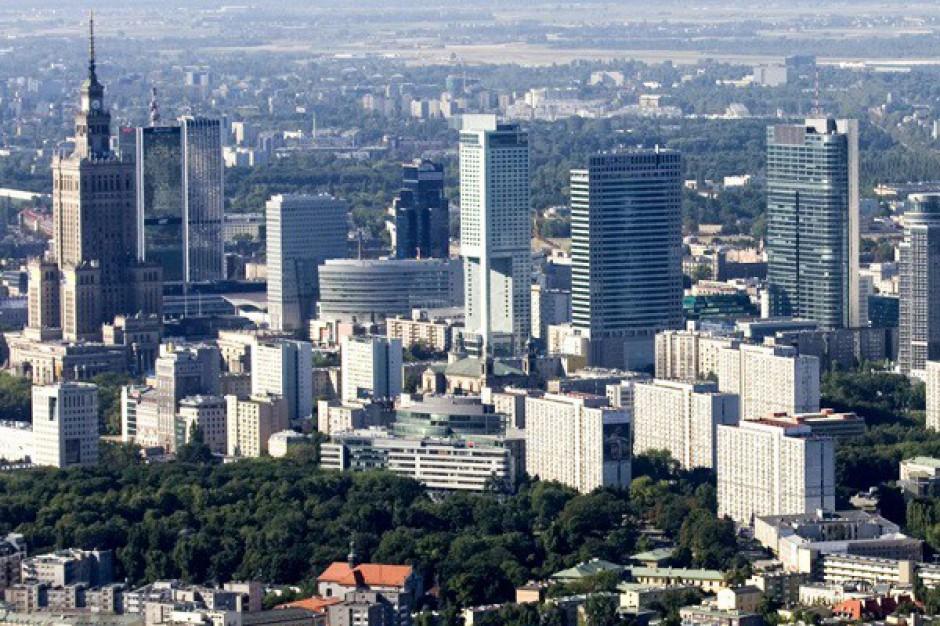 Warszawa coraz droższą lokalizacją biurową na świecie - raport