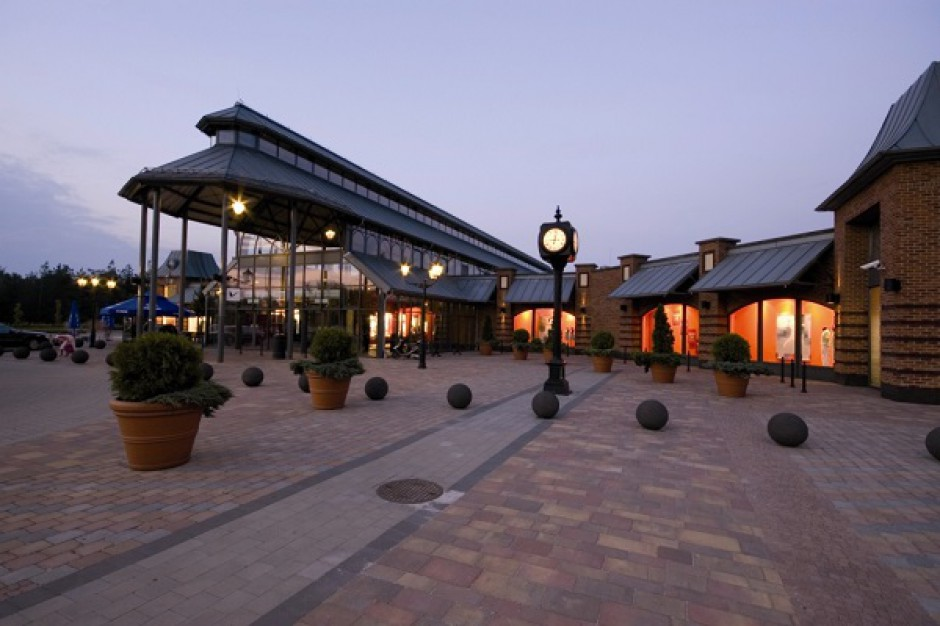 Fashion House Outlet Centre Sosnowiec z kolejnymi umowami najmu