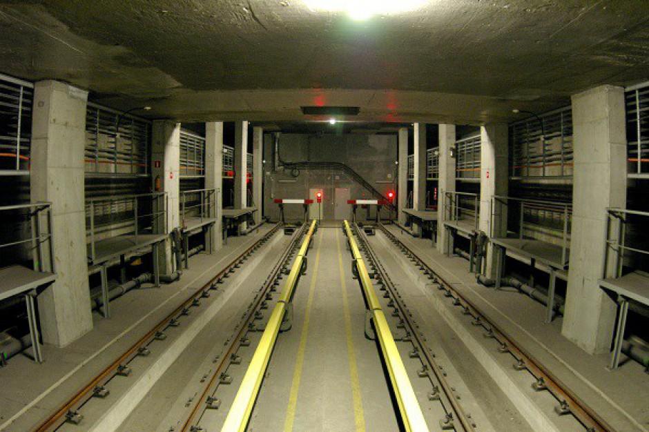 Stacja metra na własność?