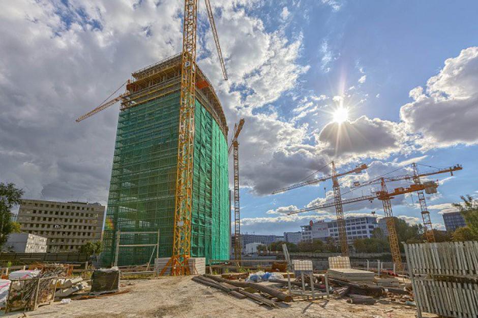Zakończono budowę konstrukcji biurowca B w kompleksie Warsaw Spire - galeria
