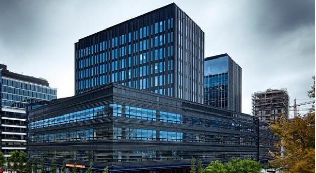 Nieruchomościowi doradcy zostają w biurowcu LC Corp