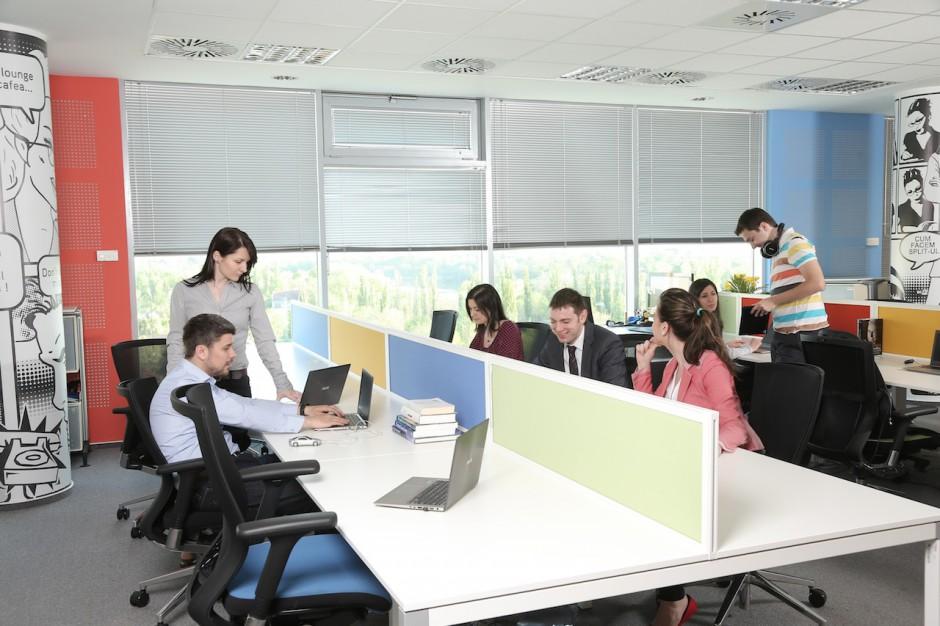 Za wysokie kwalifikacje problemem w rekrutacji. Czego obawiają się firmy?