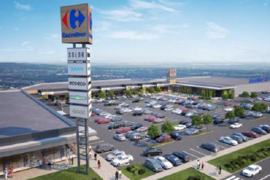 Carrefour rozpoczął handlową inwestycję w Sochaczewie - zdjęcia