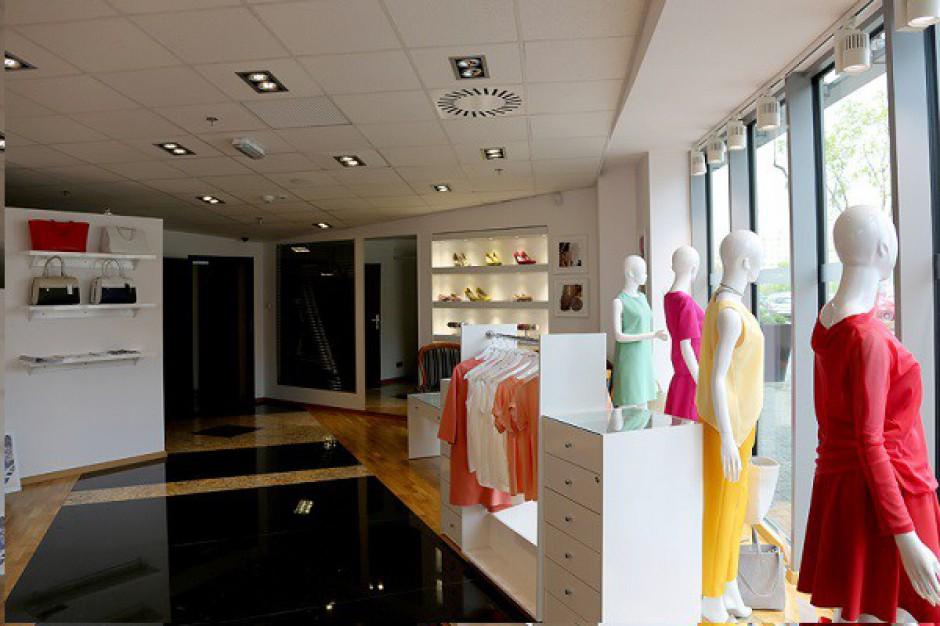 Showroom z pracownią krawiecką w Silesia City Center