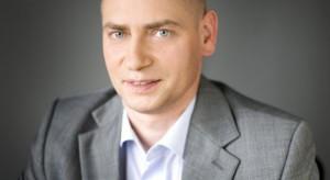 Po wezwaniu Maxima Grupe Dariusz Kalinowski sprzedał akcje Emperii