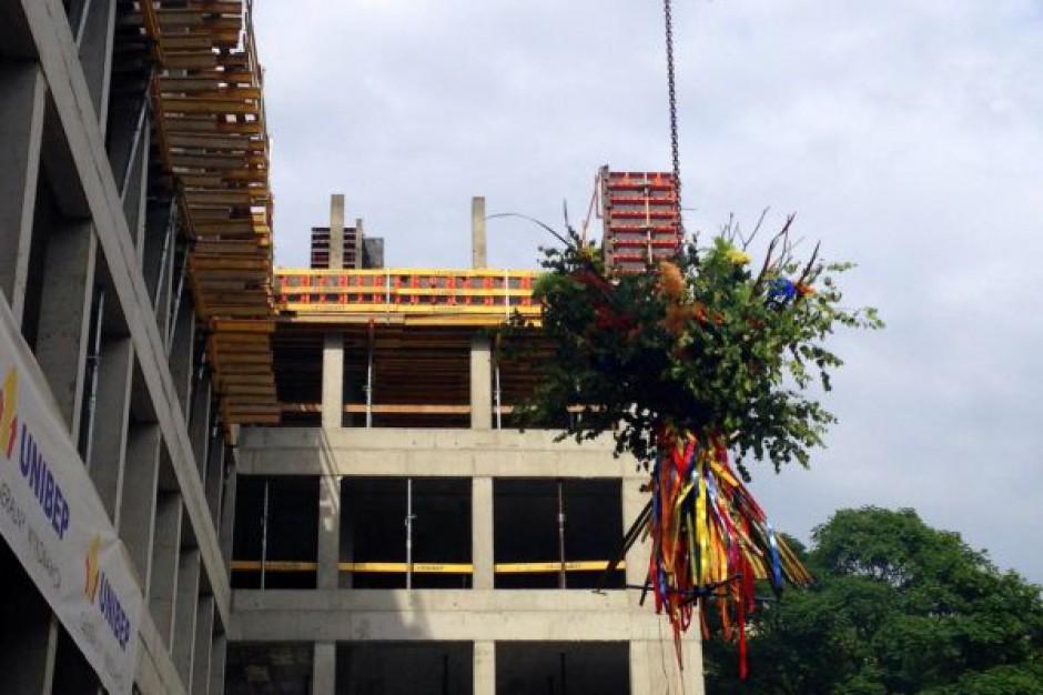 Carpathia Office House na półmetku budowy