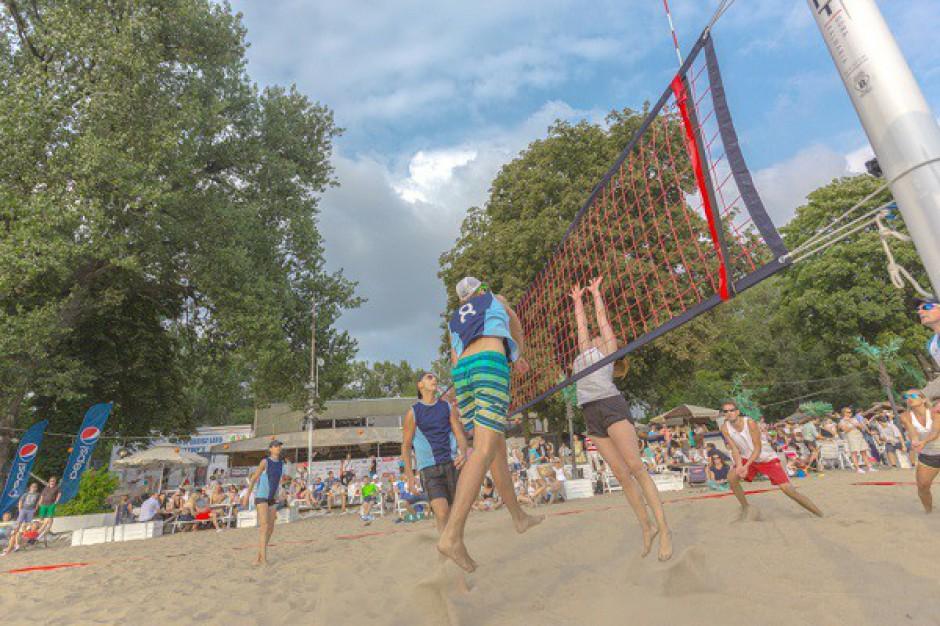 Zobacz zdjęcia z Turnieju Siatkówki Plażowej Branży Nieruchomości Komercyjnych