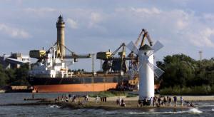 Porty Szczecin i Świnoujście przeładowały w 2020 r. mniej towarów