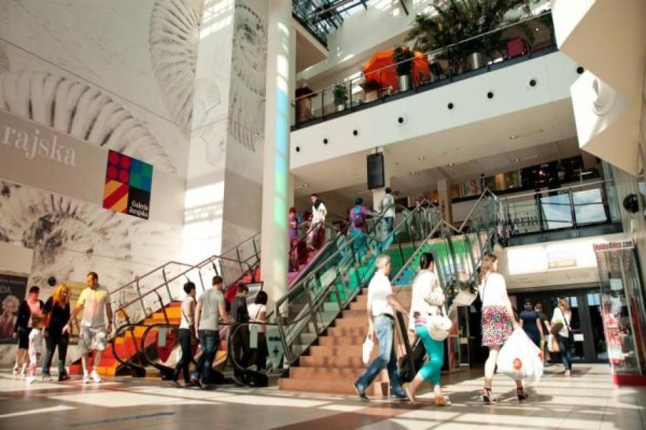 Przeciętny klient zostawia w centrach handlowych ponad 700 zł miesięcznie