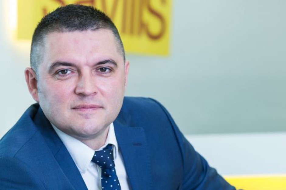 Savills z nowym dyrektorem działu powierzchni handlowych