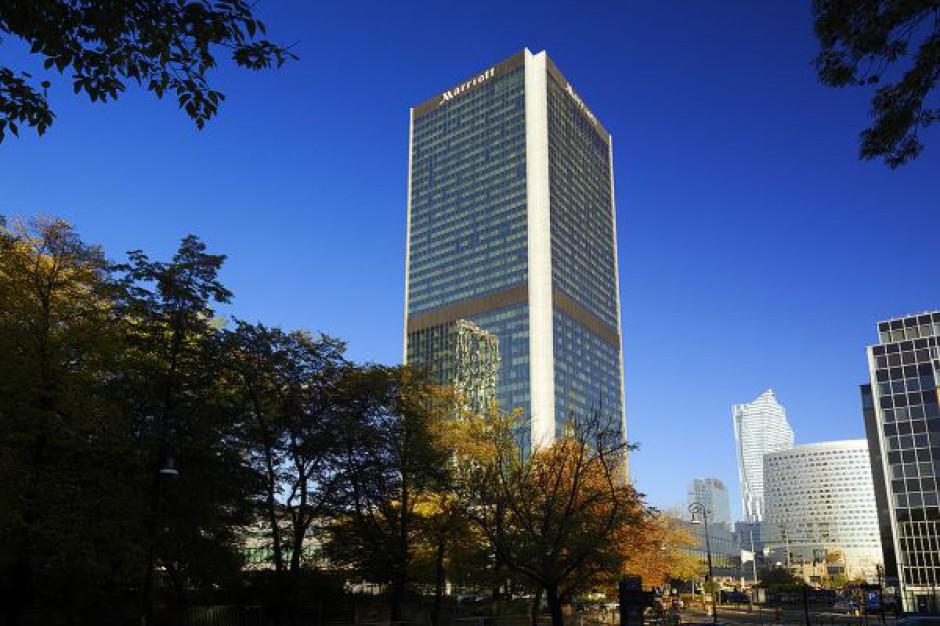 Wspinający się na hotel Marriott youtuber usłyszy zarzuty
