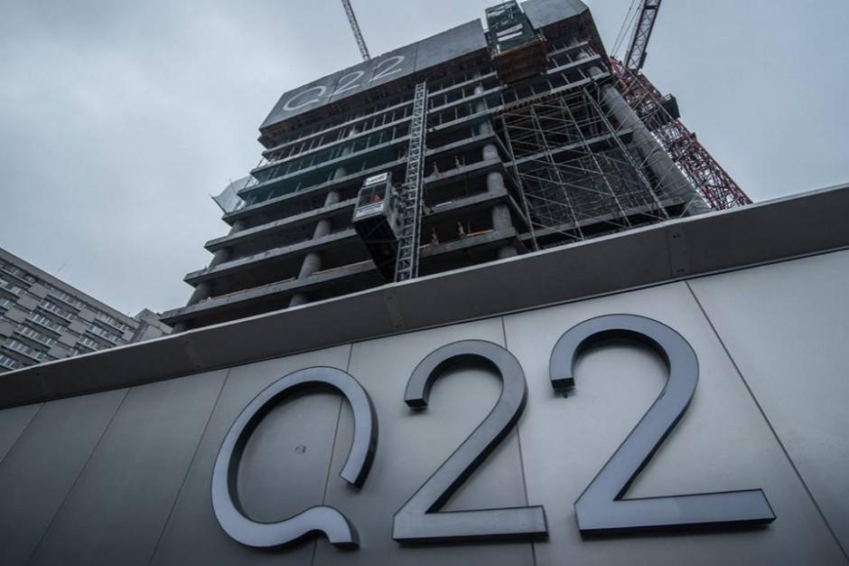 Q22 pnie się w górę