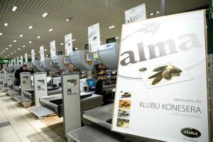Alma kontynuuje zamknięcia sklepów