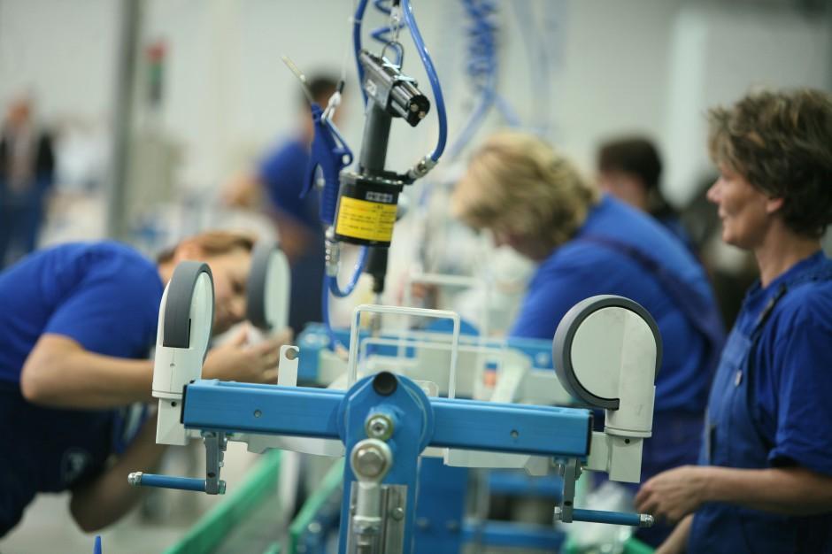 Produkcja rozpycha się w parkach przemysłowo-magazynowych