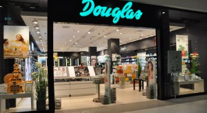 Douglas testuje koncept premium