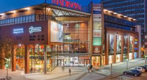 Fala fałszywych alarmów bombowych w centrach handlowych