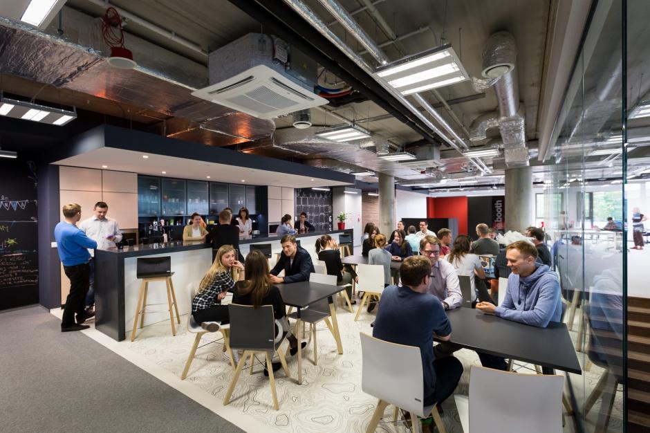 Gimnazjum rozpoczęło nauczanie w biurowcu Olivia Business Centre