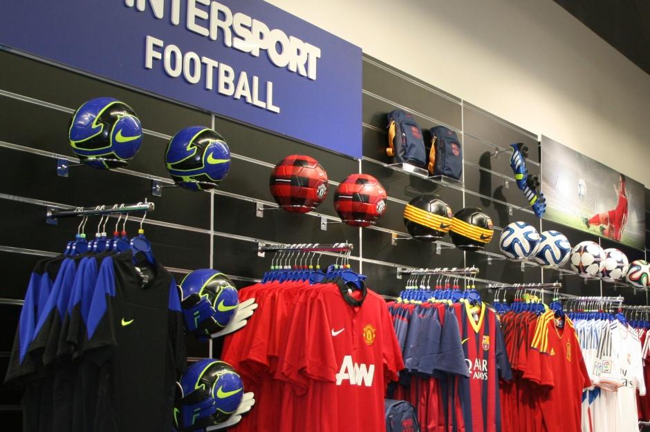 Intersport zmniejsza metraż