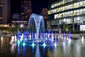 Pokaz fontann na Placu Europejskim