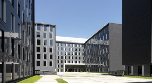 Ostatnie dni przed otwarciem nowego kompleksu biurowego w Łodzi