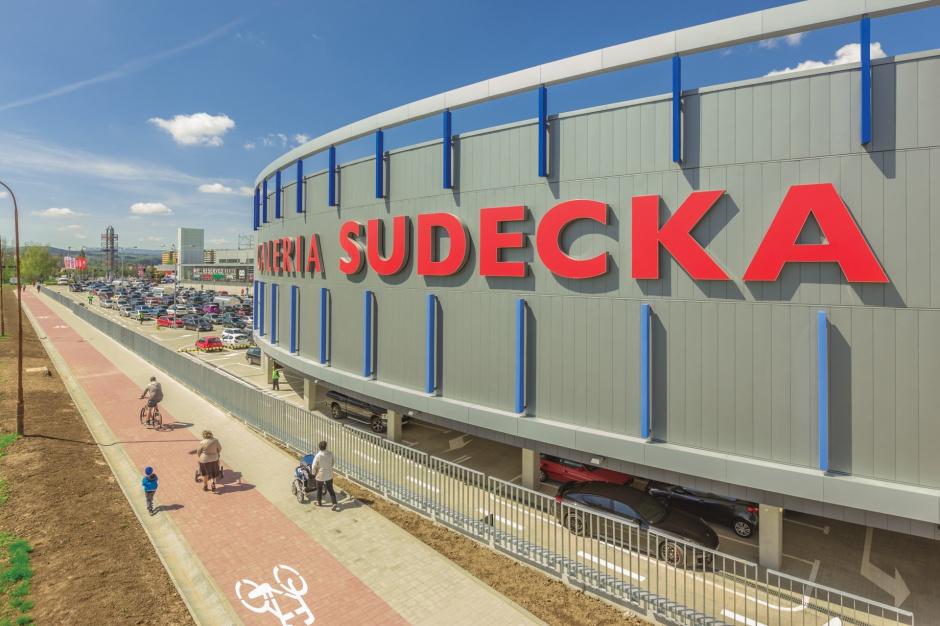 Nowy market zmienia status Galerii Sudeckiej