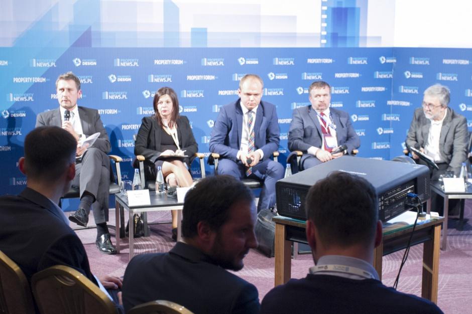 """Sesja """"Tereny inwestycyjne: Inteligentne miasta kuszą inwestorów"""" w obiektywie"""