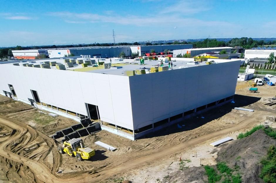 Budowa hali E w North-West Logistic Park w Szczecinie trwa zgodnie z planem