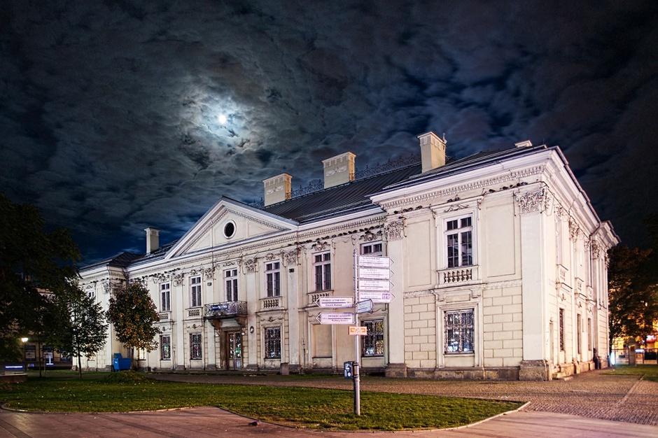 Zabytkowy pałac zamieni się w obiekt handlowy