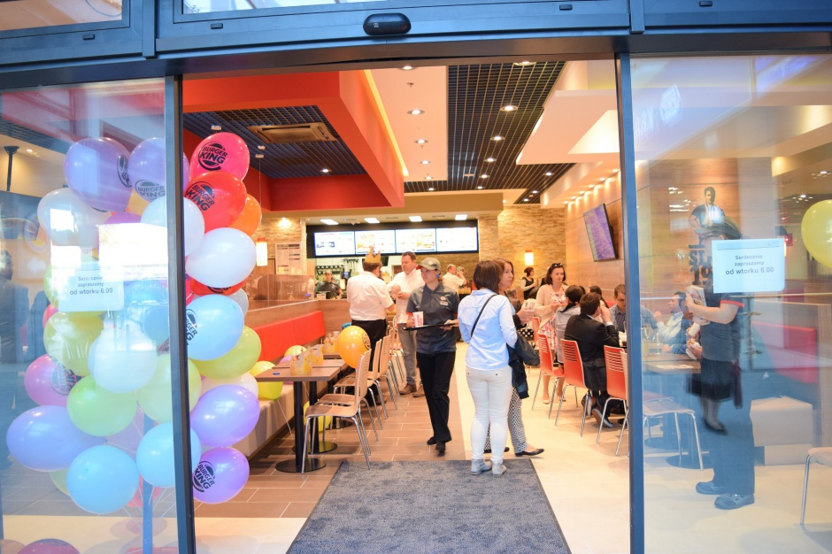 Burger King szturmuje dworce PKP