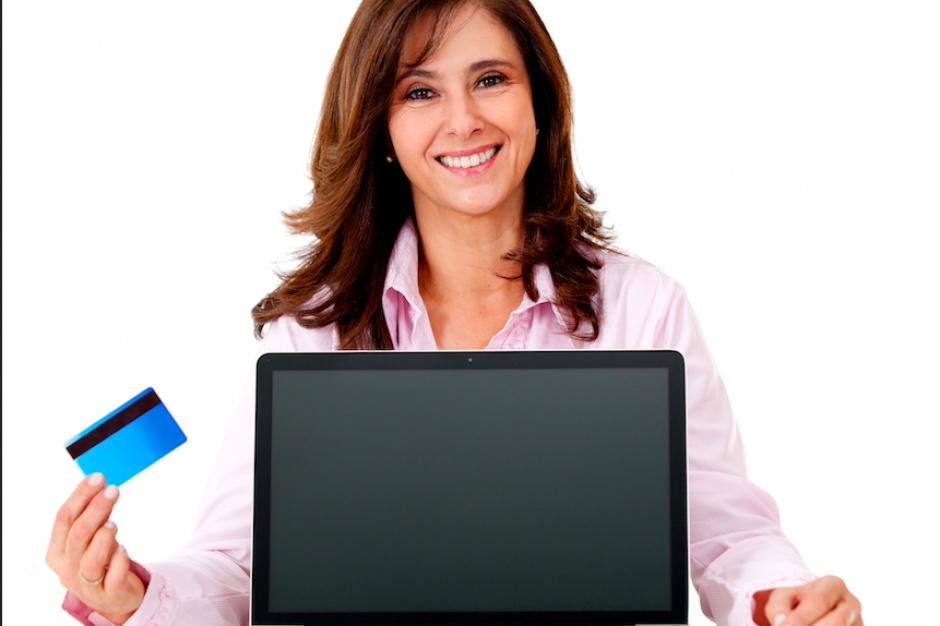 E-sklepy toną w długach