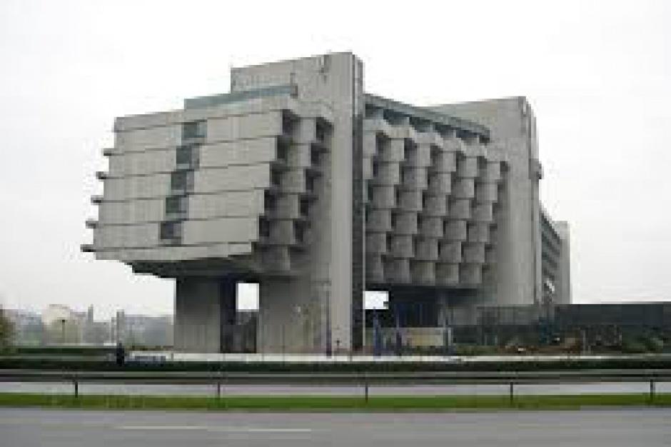 Fatum nad hotelem Forum?