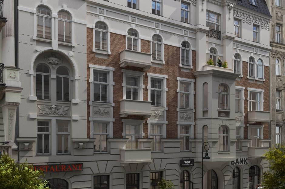 Artystyczna fasada na kamienicy Poznańska 37