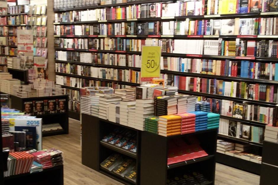 Księgarnia Świat Książki w Parku Handlowym Auchan Bielany