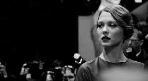 Dziewczyna Bonda twarzą marki Louis Vuitton