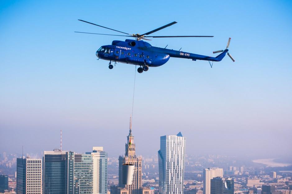 Warsaw Spire osiągnął 220 metrów - zobacz zdjęcia z montażu iglic