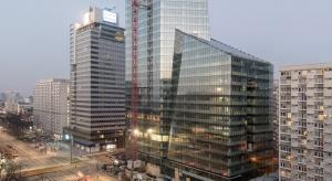 Biurowce w Warszawie lepiej burzyć niż remontować
